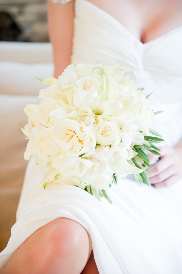 classic all white bouquet Photography by staceypentlandphotography.com, Wedding Planning   Design by alisonevents.com