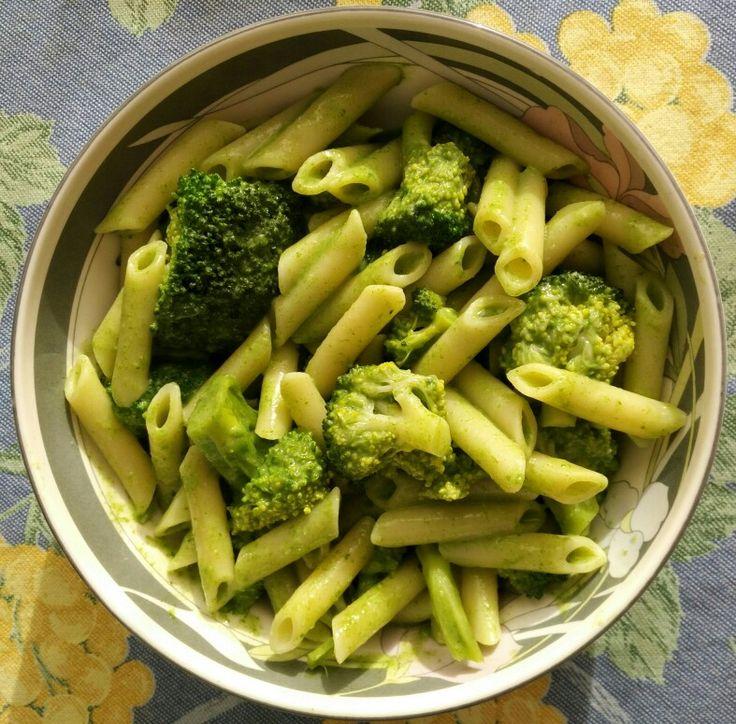 Pasta con brócoli y salsa de espinaca. Receta: (clic)
