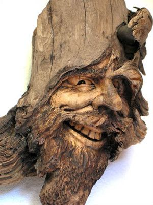 ORIGINAL TREE SPIRIT WOOD CARVING DOUBLE KNOT. OAK NANCY TUTTLE.  A jolly looking fellow!