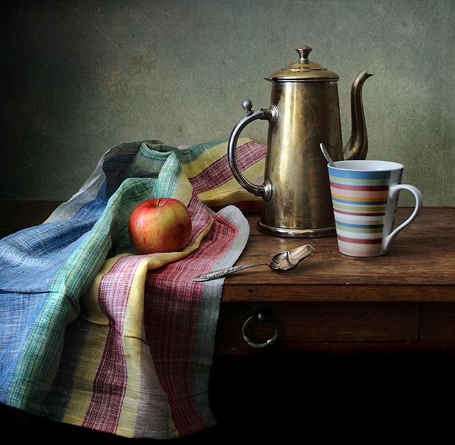 #still #life #photography • photo: ~ С полосатой кружкой ~ | photographer: Елена Татульян | WWW.PHOTODOM.COM