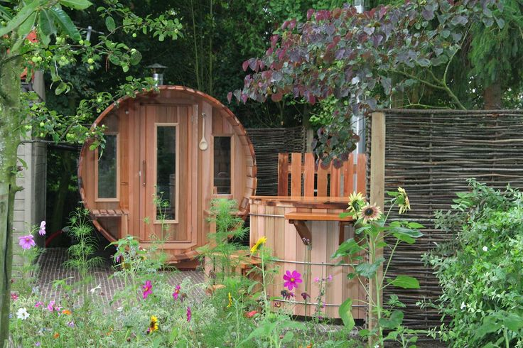 Wellness in eigen tuin daar zorgen de ambachtelijk gemaakte producten van Saunabarrel by Modis voor. www.saunabarrel.be info@saunabarrel.be