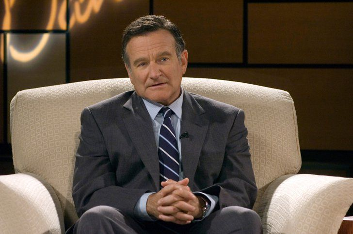 Pin for Later: 5 Movies to Stream to Honor the Late Robin Williams on His Birthday World's Greatest Dad Williams plays a father whose son dies in a freak accident in this very dark comedy from 2009. Watch World's Greatest Dad on Netflix.