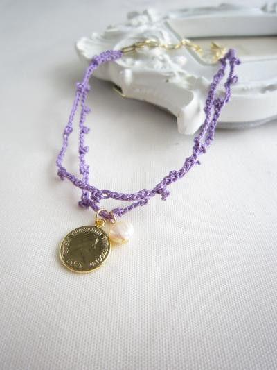 細い糸で丁寧に編みあげました。腕時計との相性も良く、二連のラインが女性らしく手首を華奢に見せます。素材 :真鍮・淡水パールサイズ:全長約22cm    内アジ...|ハンドメイド、手作り、手仕事品の通販・販売・購入ならCreema。
