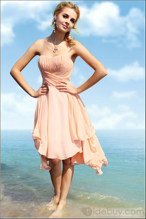 Chic A-Line Strapless Knee-length Prom Dress  Gorgeous this just might be my homecoming dress