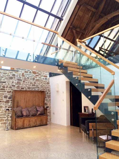 Maer Barn Bude Cornwall - Bespoke Staircase by completestairsystems.co.uk
