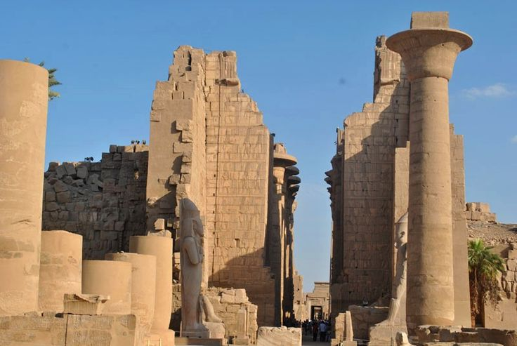 Luxor | Travel blog -  				Great pylons