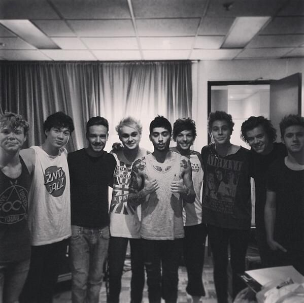 the boys with 5sos