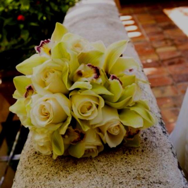 :): Ivory Rose Bouquets, Bridal Bouquets, Orchids Rose Bouquets, Cymbidium Orchids, Bouquets Ideas, White Bouquets, Flowers Ideas, Gorgeous Bouquets, Cream Rose