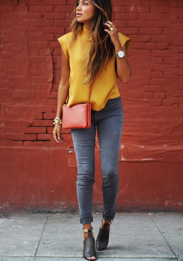yellow top- stone washed skinny jeans