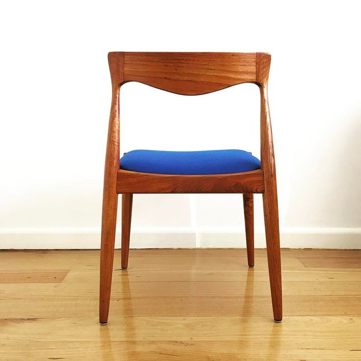 Danish Deluxe dining chair in Kvadrat Divina wool www.hoymidcentury.com #retromelbourne #upholstery #restoration #kvadrat #wool #danishmodern #danishdeluxe #teak