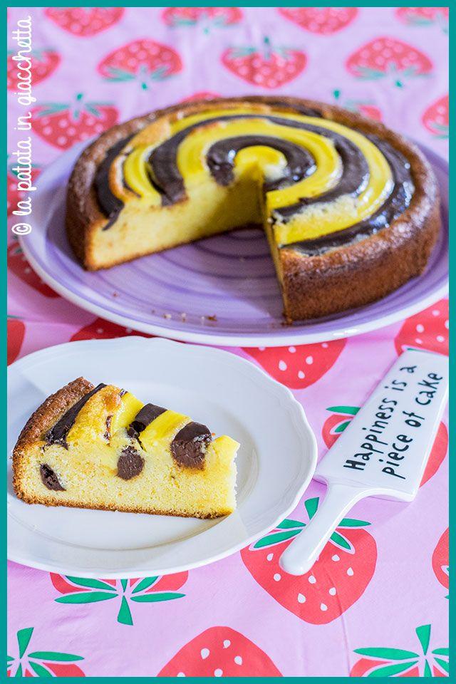 Ricetta della Torta Nua, una torta alla vaniglia coperta da uno strato di crema pasticciera alla vaniglia e al cioccolato fondente
