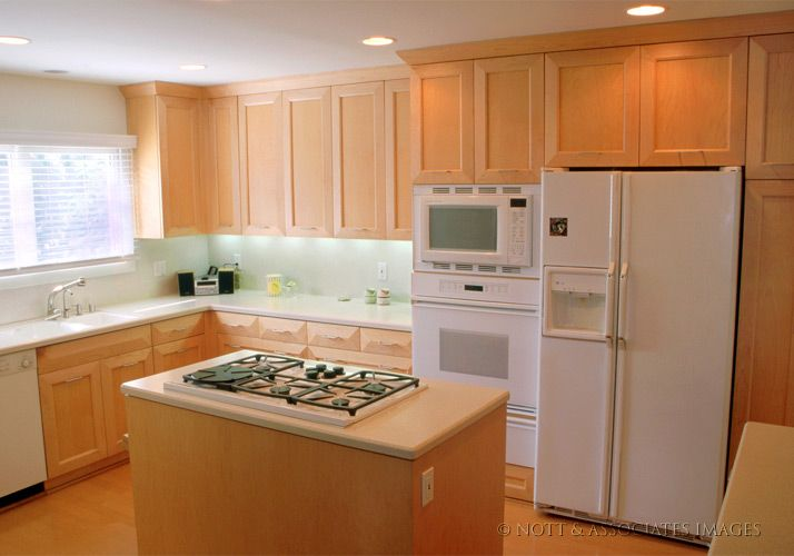 Maple Cabinets With White Countertops