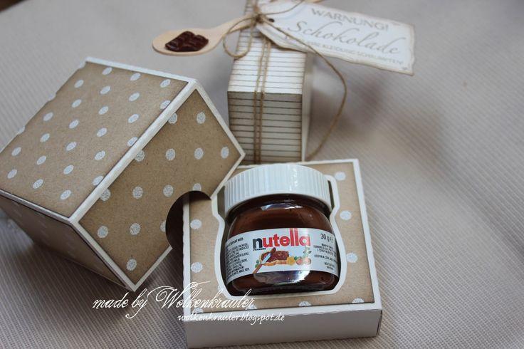 """Als """"Tauschgeschäft"""" für einen größeren Gefallen habe ich diese kleine Verpackung für ein Mini-Nutella Gläschen gewerkelt. Das Aussehe..."""