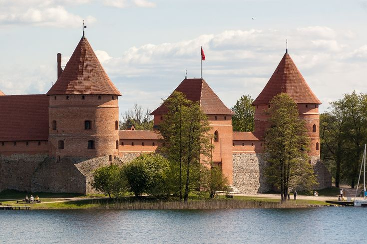 https://flic.kr/p/nunAoH | Baltic Trip of Raccoon Pedro | Lithuania | Trakai Island Castle | Baltic Trip 2014. Photo by World Wide Gifts (www.world-wide-gifts.com). See more about Raccoon Pedro's travelling at instagram.com/worldwide_souvenirs/