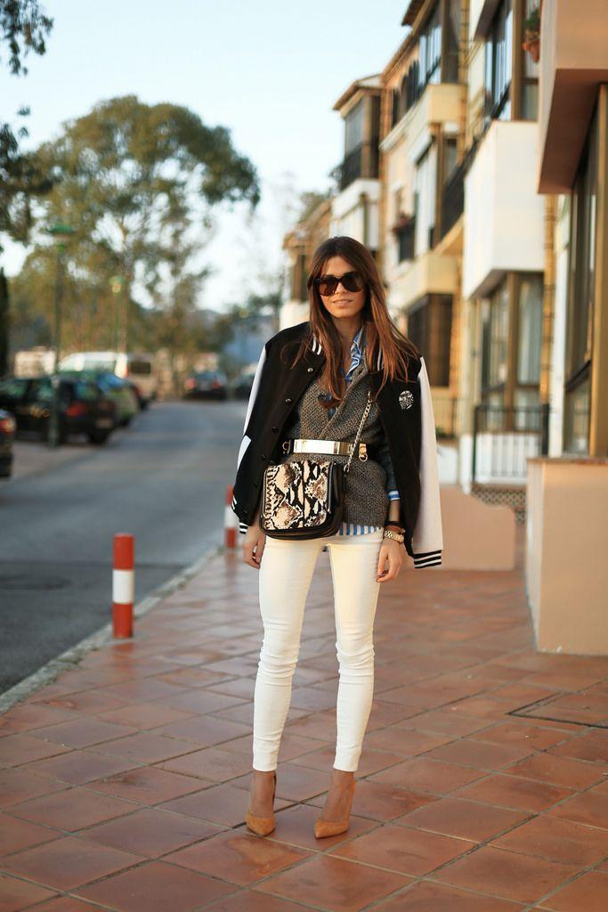 Jessie Chanes with Berta stiletto brown suede from MAS34 #stilettomas34 www.mas34shop.com/