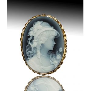 Angelica Blue agate first quality 1,2 inches cameo, wearable as a brooch or a pendant, yellow gold setting representing Angelica. This cameo is one of a kind, very rare     https://www.eredijovon.com/en/2600-angelica-lady-blue-cameo-brooch-gold.html    #italiancoraljewels #cammeiitaliani #cameos #cammei #handcarvedcameos #cammeifattiamano #handmadecameos #antiquecameos #vintagecameos #cameolocket #cameonecklace #cameoring #cameobrooch