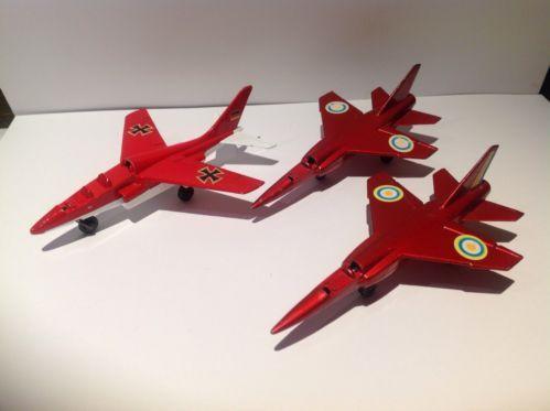 3 Matchbox Skybuster Planes = 1 SP11 Alpha Jet, 2 SP4 Mirage F1, 1973 Lesney - http://www.matchbox-lesney.com/?p=16254