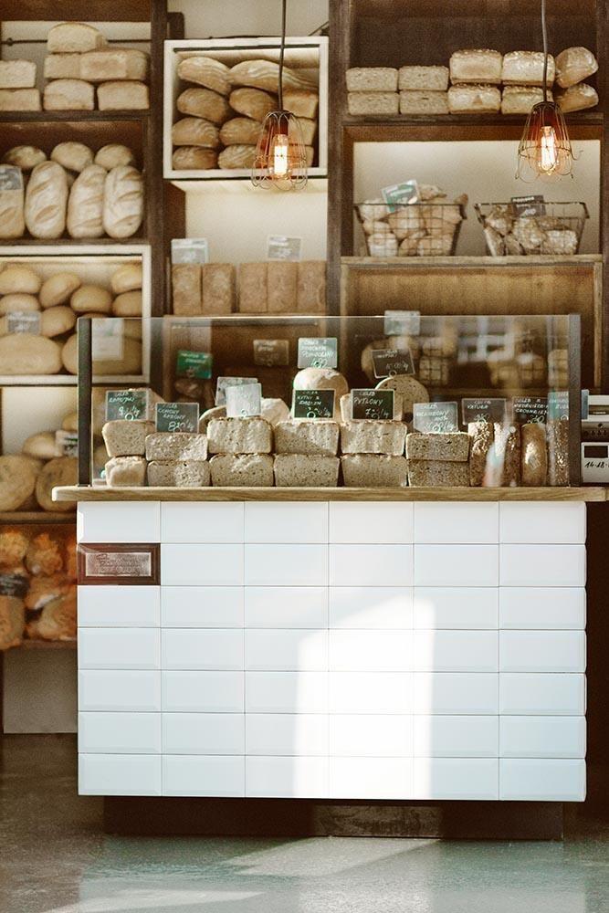 Интерьер пекарни в деревенском стиле