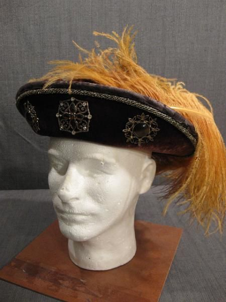 29 best images about PERIODO TUDOR SOMBREROS 1500-1550 on . c573a8d77b5