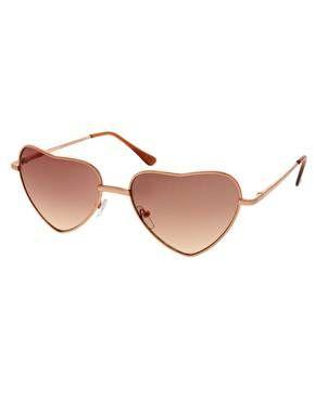 occhiali da sole a forma cuore  | Occhiali da sole - Moda a cuori - Foto Gallery Pianetadonna.it
