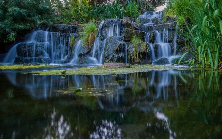 Kew Garden, London by Pauliina Kuikka and Arto Lehikoinen Photography