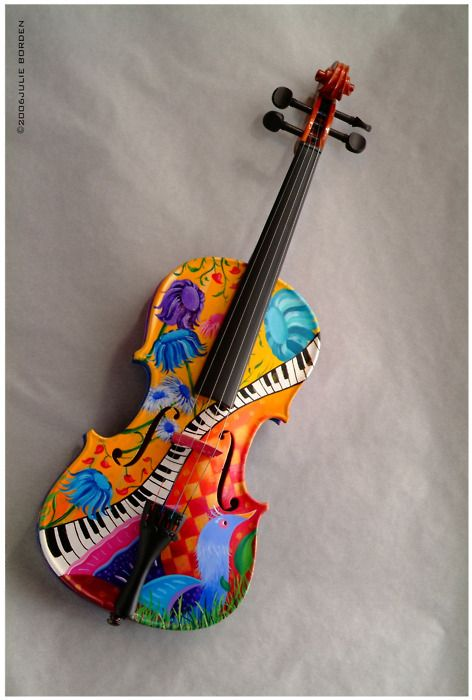 Such a cool violin this violin is the most beautiful awesome colored violin who wouldn't want this violin I sure would want it!!!!!