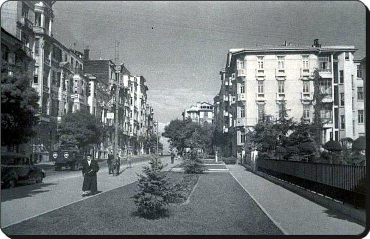 Nişantaşı Valikonağı caddesi 1940