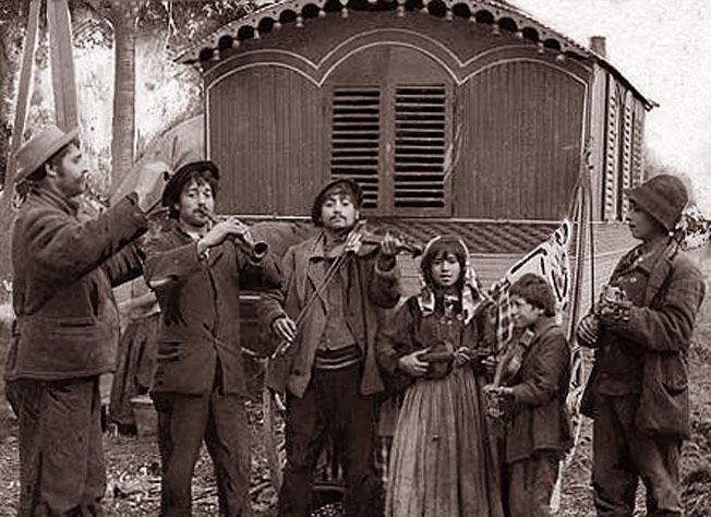 Germany. A nomadic Gypsy band. 1900.