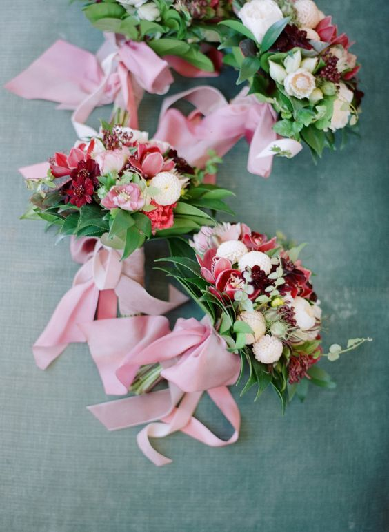 Red and pink bouquet inspiration    Wedding   Flower Bouquet   Wedding Bouquet   Wedding Flowers   Bridal Blooms   #wedding #weddingbouquet #weddingflowers #bridalblooms   https://www.starlettadesigns.com/