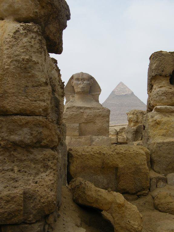 A Esfinge (Gizé, Egito)