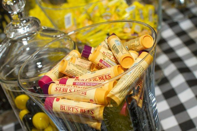 Of course you have to have Burt's Bees at a bumble bee birthday! #bumblebee #birthday #partyfavor