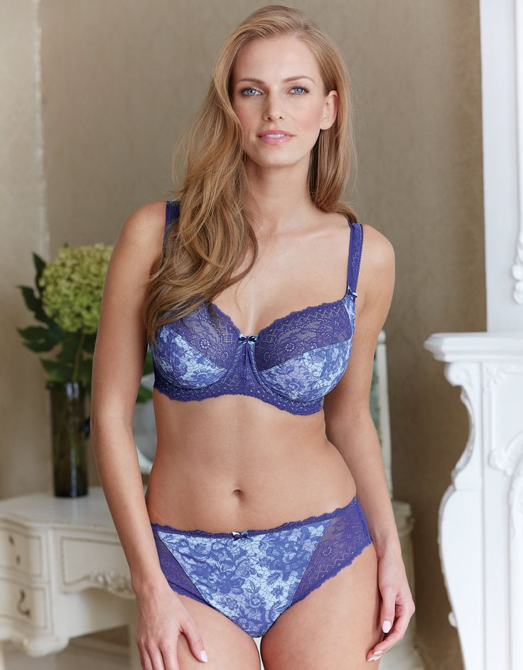 Amature women in lingerie