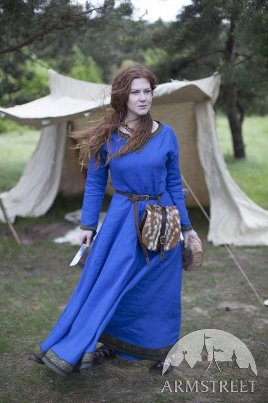 Tunique Viking, robe en lin «Ingrid la Maîtresse du foyer»