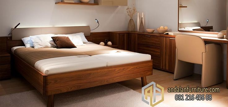 Tempat Tidur Minimalis –Gaya minimalis itu mengacu kepada gaya hidup. Arti bangunan minimalis itu sendiri sebenarnya terinspirasi dari gaya hidup Zen, berasal dari Jepang. Zen, beranggapan semakin sedikit perabotan atau benda yang kita gunakan atau miliki, maka semakin tenanglah kehidupan seseorang. Itulah sebabnya pada gaya desain rumah minimalis sedikit sekali menerapkan atau bermain warna. Set …