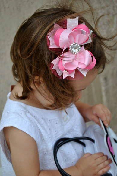 laço de boutique com pedraria central e tule  tam G aprox. 10cm  material 100% importado  cores rosa bebê / pink /prata