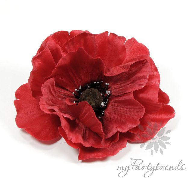Sehr schöne Ansteckblume, Modell Mohnblüte, die sich per Krokodilspange bequem in das Haar oder an die Kleidung stecken läßt.   Ebenso an Accessoires wie Tasche, Schal und Gürtel ist diese Blume...