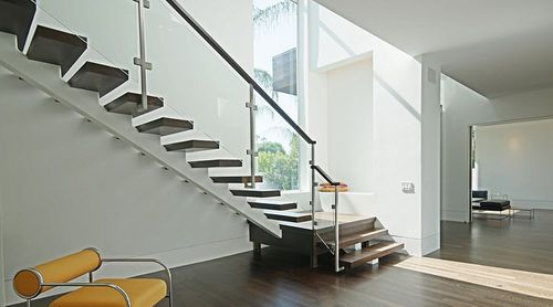 Best Quarter Turn Staircase With A Central Stringer Metal 400 x 300