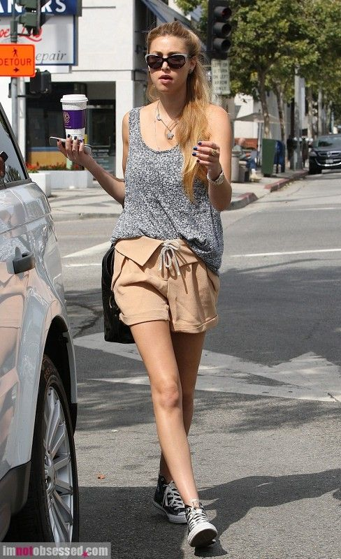Whitney Port casual look