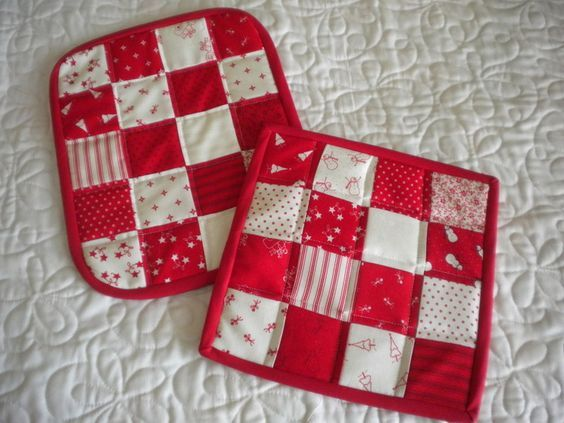Not only are quilted potholders a practical gift -- everyone uses them -- but they are also a quick and easy project. Learn how to make them on Craftsy!