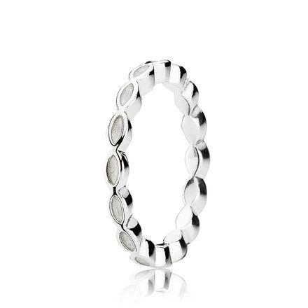 White Enamel Twist Ring - Pandora UK | PANDORA eSTORE