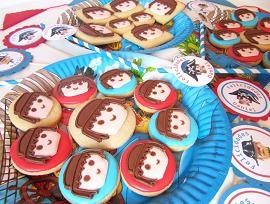 Postreadicción galletas decoradas, cupcakes y pops: Fiesta Playmobil - Playmobil party