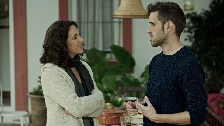 Beatriz Bodegas y Jota Linares en el rodaje de Animales sin collar.