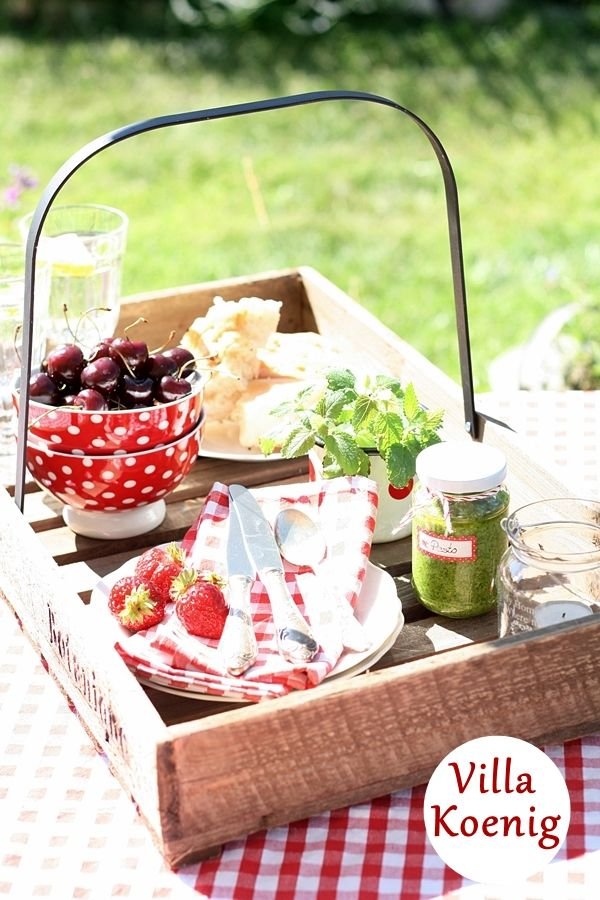 Love this Basket..perfect for transporting a Picnic @nyrockphotogirl