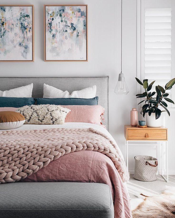 """2,478 curtidas, 28 comentários - Mobly (@moblybr) no Instagram: """"Quanto aconchego para um quarto só. Com um ambiente assim a vontade é de nem levantar da cama.…"""""""