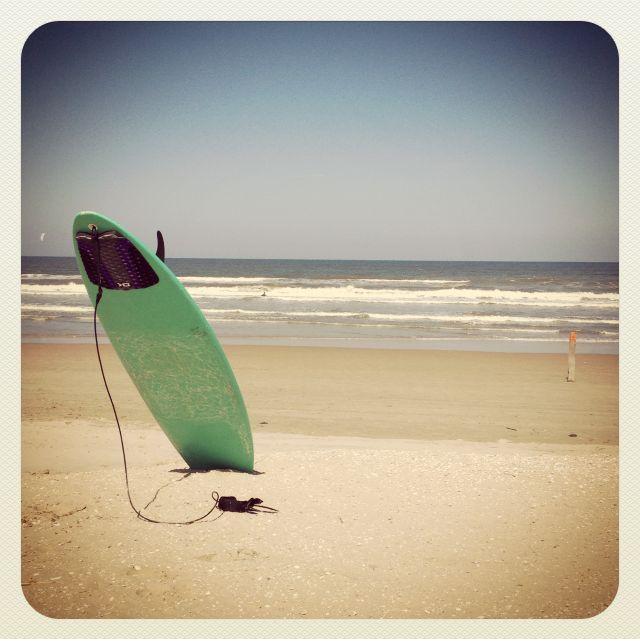 © Eve Lingen #beach #surfboard #surfing #summer