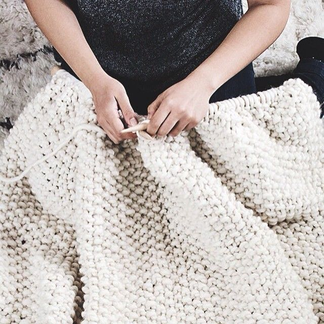 That moment when you're knitting a blanket and you realice there's no need to finish it... #thathappens #udonblanket : @craftmystitchup