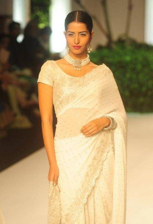 India Bridal Fashion Week 2013: Meera Muzaffar Ali white sari with pearl jewelry