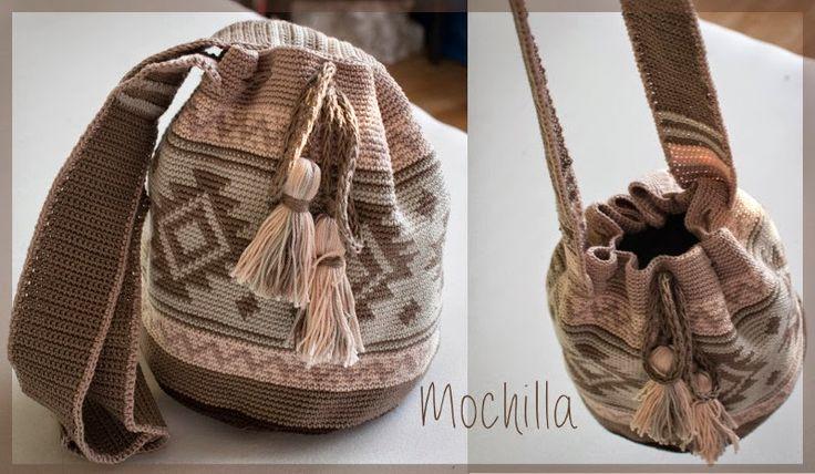 """Hergestellt für das Projekt """" Mit Wolle & Nadel gegen Terror """"   (© Yvonne Nehrkorn, April 2015)     """"...Die Mochila (Spanisch) kann sowohl..."""