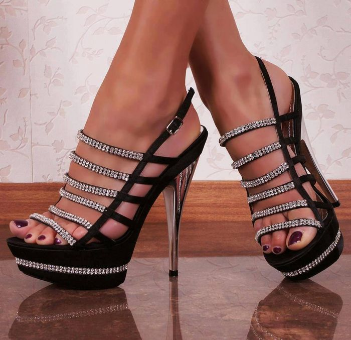 1000  ideas about Hot High Heels on Pinterest | Shoes heels black ...