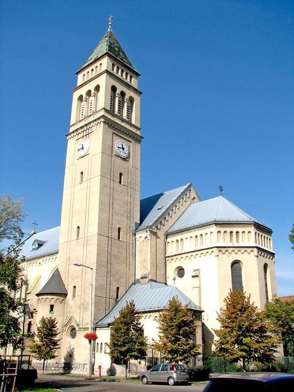 Wekerle | St. Joseph Roman Catholic Church, Kós Károly tér. http://budapestpocketguide.com/budapest-yours-to-discover/wekerle-estate-centennial-year-1908.html #Budapest